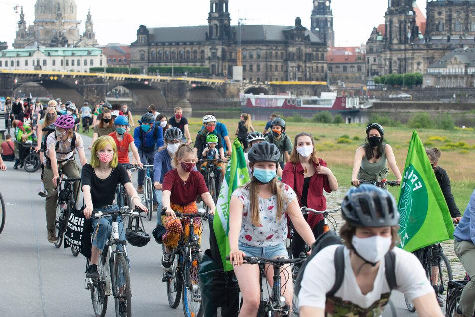 Diesen Freitag plant Fridays for Future eine Fahrraddemo durch Dresden. Thema ist die Stadtbahn 2020.