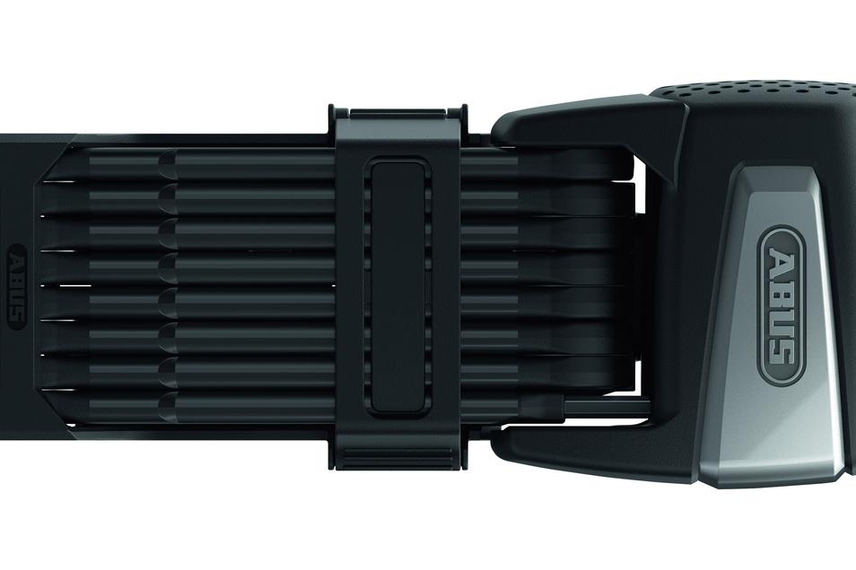 Diebstahlschutz: Immer teurere Räder brauchen guten Schutz. Das 1,10 Meter lange Faltschloss Abus Bordo 6500A SmartX schließt per Bluetoothsignal und ist im Alarmmodus 100 Dezibel laut. Preis: ab 249,95 €