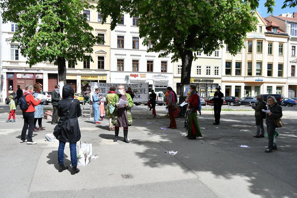 """Auch eine Art Bühne, der Görlitzer Marienplatz. Hier fand das """"Frühlingsliedersingen"""", eine Corona-Demo, statt."""