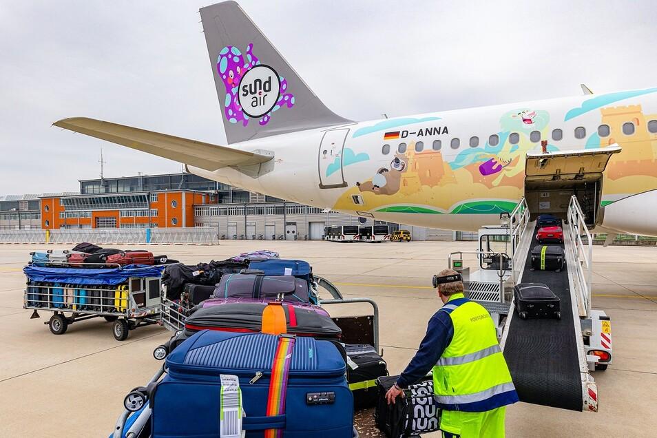 Sachsens Flughäfen starten trotz Pandemie mit rund 100 Flügen in die Feriensaison.