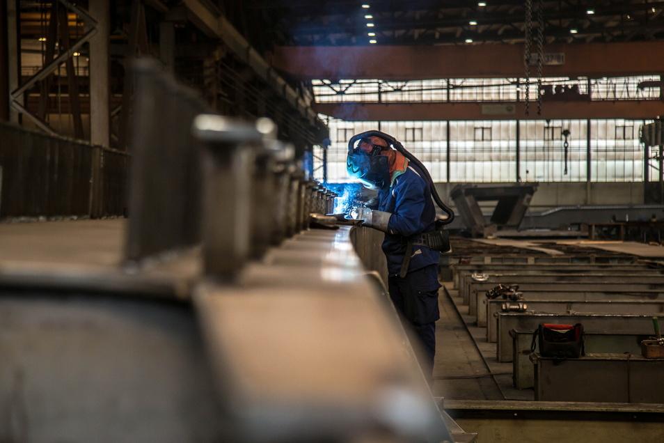 Am Stahlbau-Standort in der Muskauer Straße wird auch während der Corona-Krise fleißig gearbeitet. Das Auftragsbuch der Stahl Technologie Niesky GmbH ist bis Februar 2022 voll.