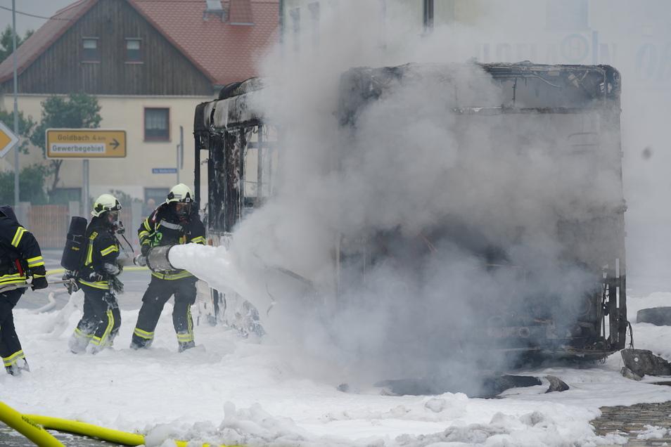 Feuerwehrleute aus Rammenau, Bischofswerda, Burkau, Goldbach und Frankenthal waren im Einsatz.