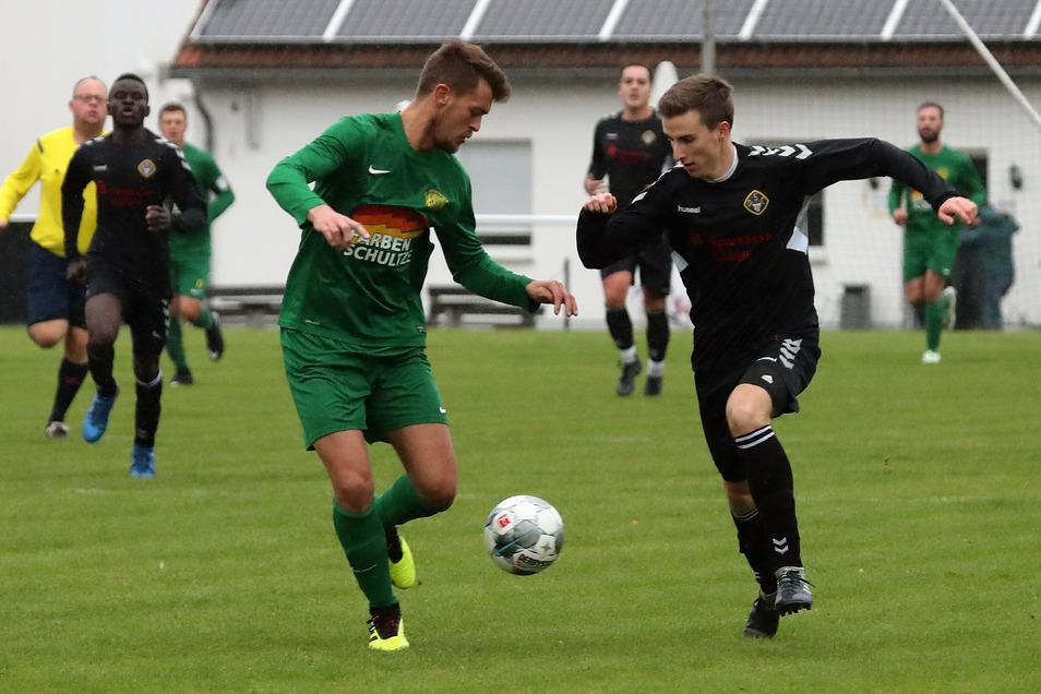Chris Liebmann (rechts) hat in der vergangenen Saison sieben Tore für den Döbelner SC erzielt.