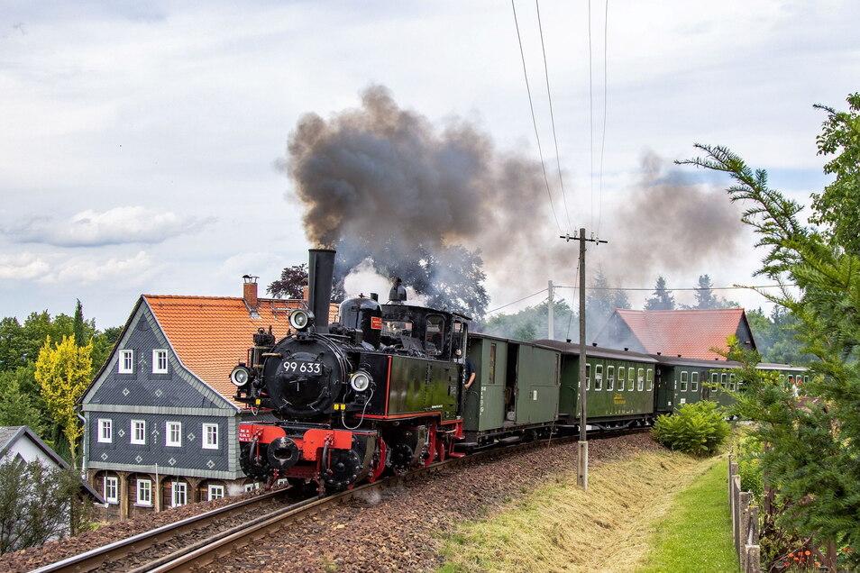 Erstmals auf Probefahrt ins Zittauer Gebirge - die historische württembergische Lok Tssd - 99 633. Sie kommt bei Historik Mobil zum Einsatz.