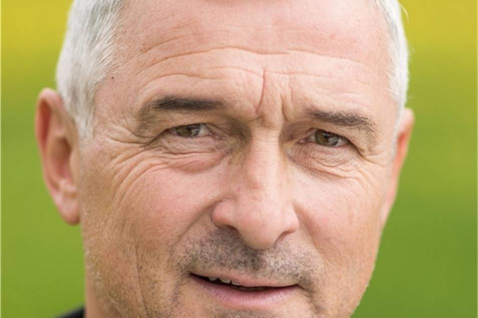 Hans-Uwe Pilz Dynamo von 1982 bis 1995 Wurde in einer Nacht- und Nebelaktion aus Zwickau geholt und erfüllte fußballerisch die hohen Dresdner Ansprüche. In Bundesliga-Zeiten unverzichtbar.