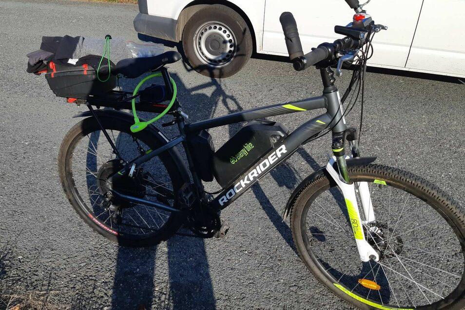 Die Beamten erwischten den Mann mit diesem nicht versicherten E-Bike.