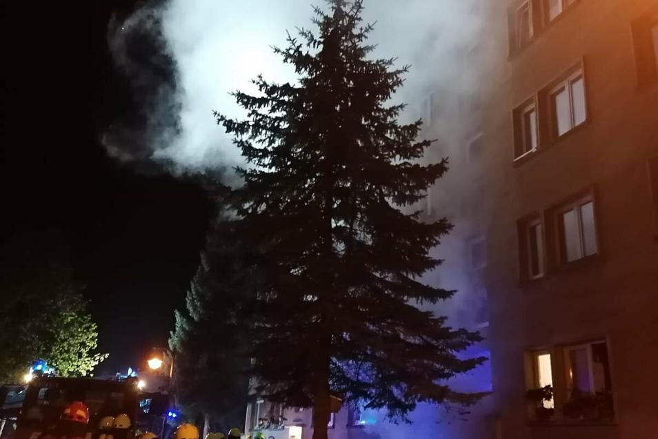 Im Wohnblock Am Waldrand 83 in Westewitz hat ein Keller gebrannt.