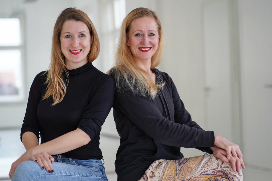 Jana Schmück (l.) und Anne Dietrich vom Verein Tanzart in Kirschau haben beide kreative Ideen für ein Corona-konformes Weihnachtsfest.
