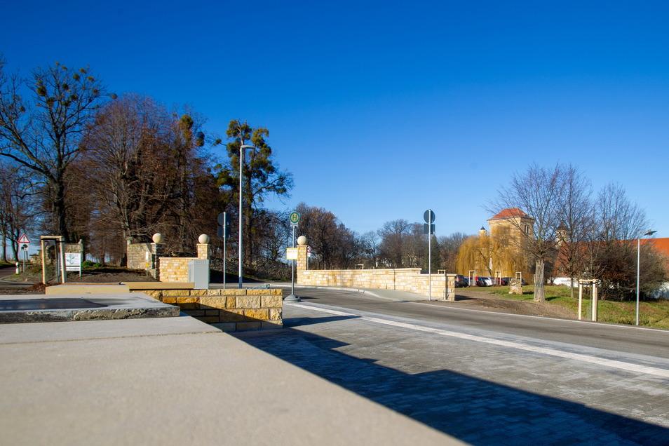 Alles wird neu in Gamig: Nach der Bushaltestelle wird nun die Kreuzung zu einem Kreisverkehr umgebaut.