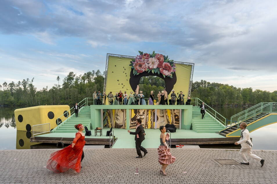 """Mit Emmerich Kálmáns Operette """"Die Csárdásfürstin"""" startet das Mittelsächische Theater am Freitag in die Freiluftsaison."""