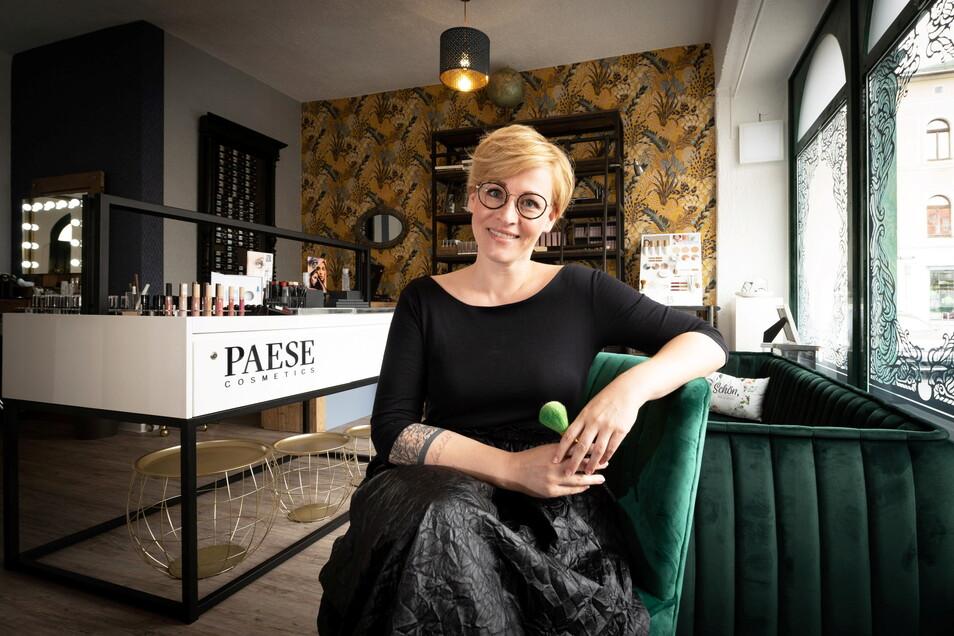 """Anja Mangatter (42) hat am Markt in Radeberg ihr Geschäft """"Wunderbar"""" eröffnet. Ein Glücksgriff, sagt sie."""