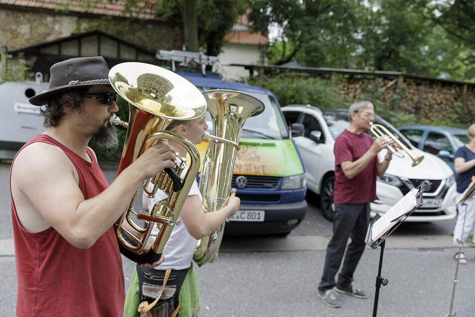 So musizierten die Bläser im Sommer, auf der Heilige-Grab-Straße.