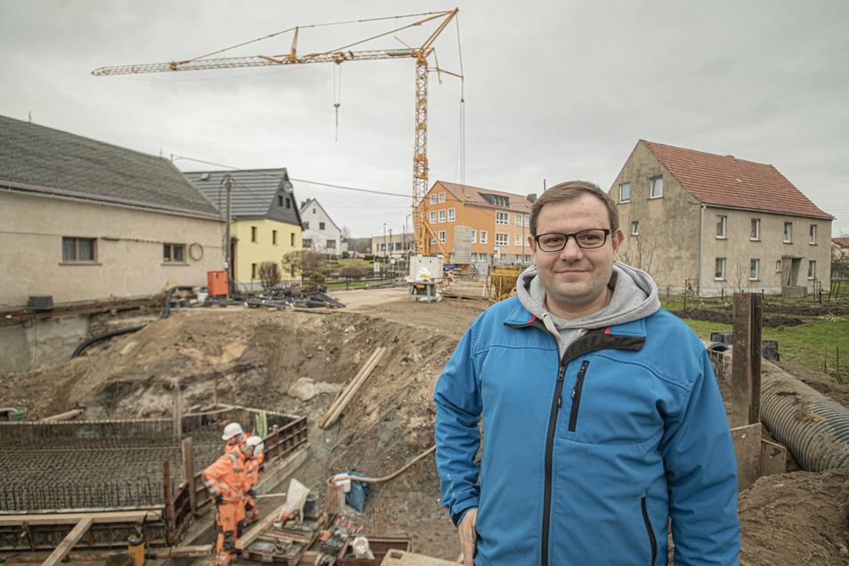 Großnaundorfs Bürgermeister Christian Rammer ist froh, dass es mit der Baustelle in seinem Dorf vorangeht.