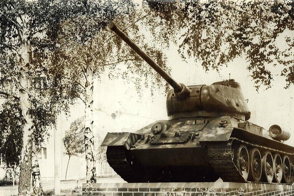 So erinnern sich viele Löbauer an den Sockel-Panzer in der Jägerkaserne.
