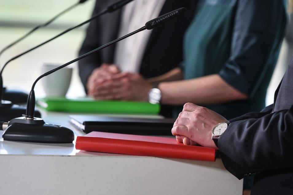 Schwarz, Grün, Rot – auch im 134-seitigen Entwurf zum Regierungsprogramm finden sich alle drei Parteien wieder.