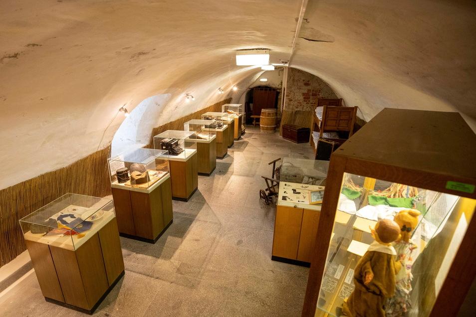 Ein Teil der aktuellen Ausstellung auf Burg Hohnstein: Hier ist seit den 1990er-Jahren nichts mehr passiert. Bald startet eine komplett neue Museumskonzeption.