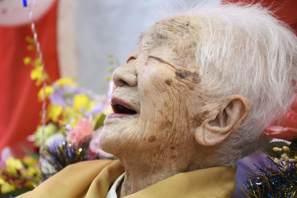 Kane Tanaka hat gut lachen: Mit 117 Jahren und 261 Tagen ist sie die absolute Rekordhalterin in Japan. Kein bekannter Mensch dort wurde je älter.