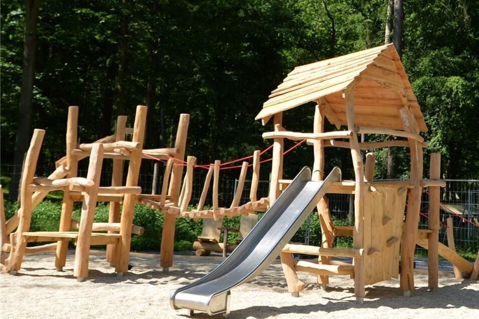 Der neue Spielplatz zwischen Elch- und Rotwildgehege.