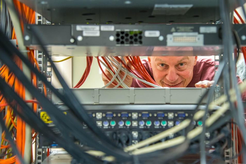 Thomas Berger kümmert sich als IT-Beauftragter  im Rothenburger Martin-Ulbrich-Haus darum, dass das Orthopädiezentrum nicht Opfer von Cyberattacken wird.