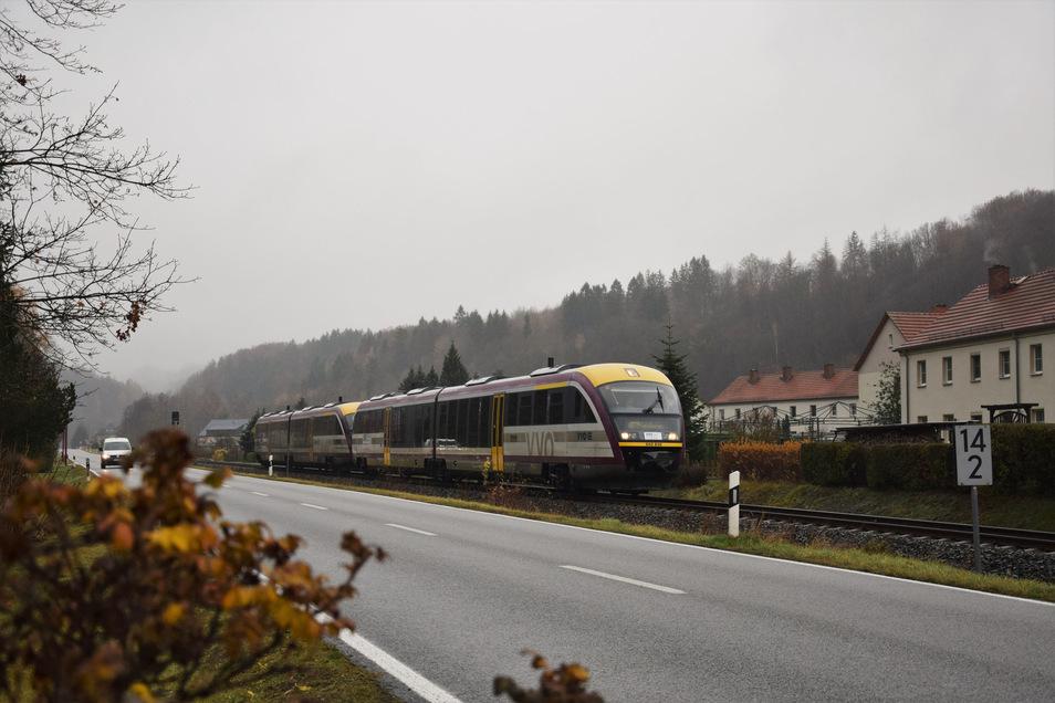 Die Mitteldeutsche Regiobahn ist im Müglitztal erstmals mit eigenem Logo unterwegs.