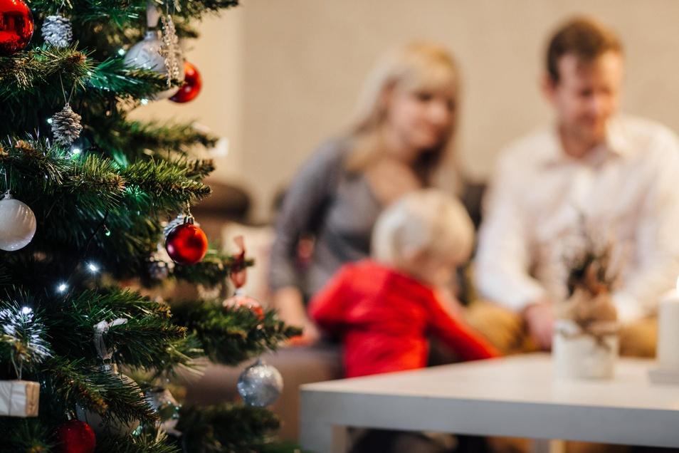 In den meisten Ländern verbringen die Menschen das Fest in Familie.