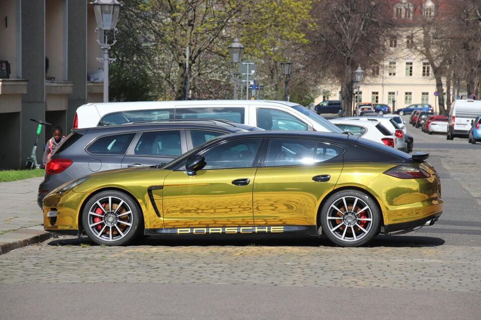 Gold ist erlaubt, nur spiegeln darf das Auto nicht. Das könnte andere Autofahrer gefährden.