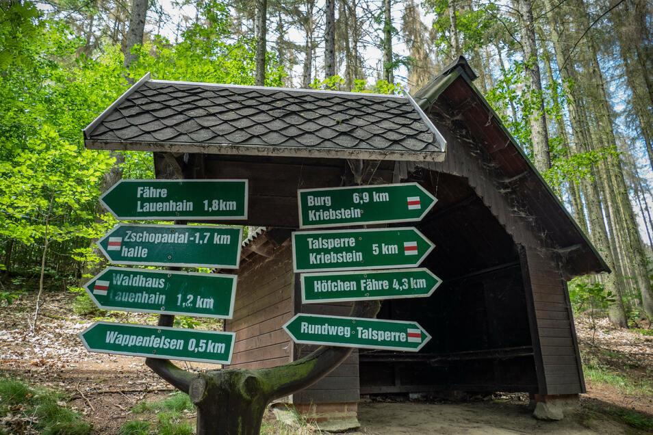 Insgesamt etwa 20 Kilometer gut ausgeschilderte Wanderwege gibt es rund um die Talsperre Kriebstein.