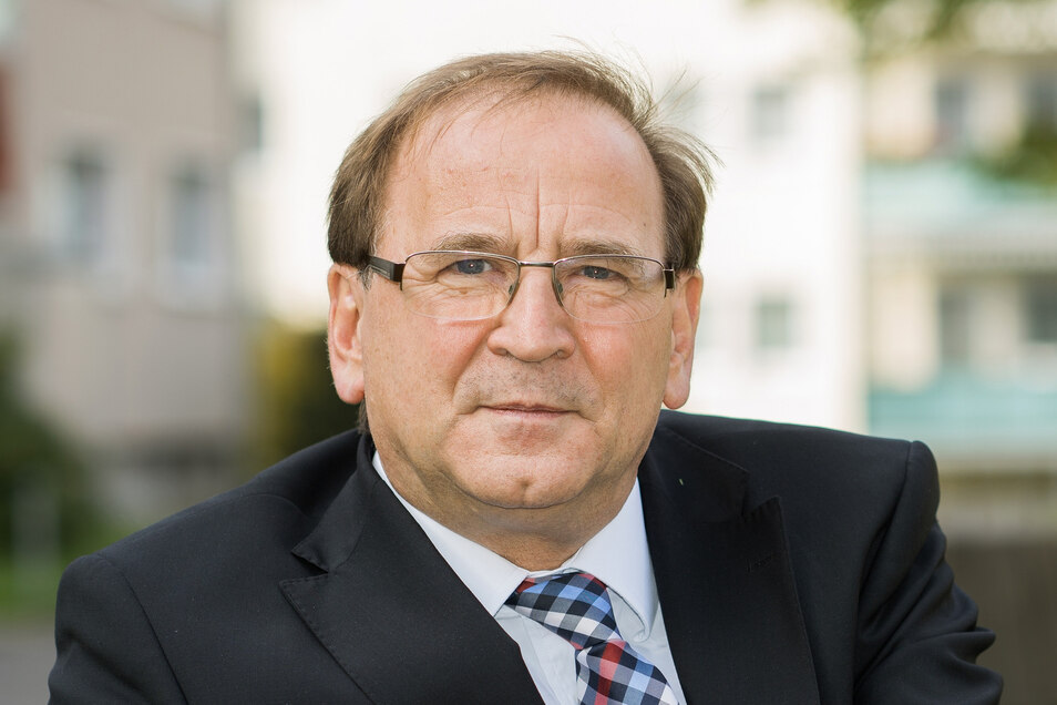 """Jürgen Opitz (63, CDU) ist seit sieben Jahren Bürgermeister und seit 1990 im Heidenauer Rathaus – und will das auch bleiben. """"Das Thema IPO ist ein sehr komplexes Vorhaben mit Chancen und Risiken."""""""