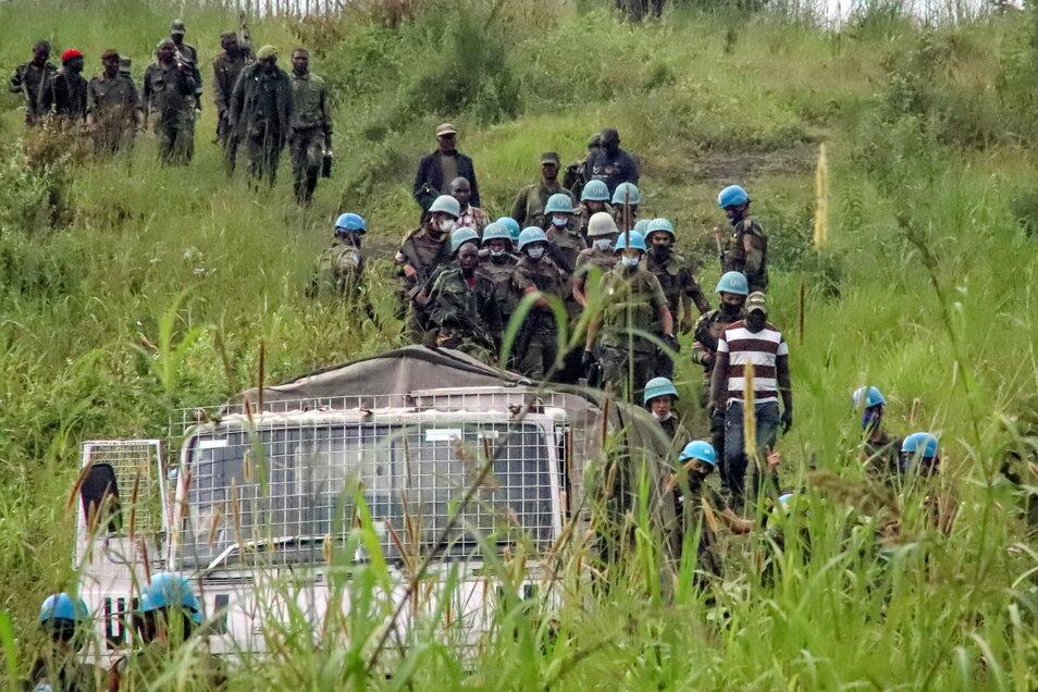 Friedenstruppen der Vereinten Nationen bergen Leichen aus dem Gebiet, in dem ein Konvoi des Welternährungsprogramms (WFP) überfallen wurde. Bei dem Überfall wurde der italienische Botschafter Luca Attanasio getötet.