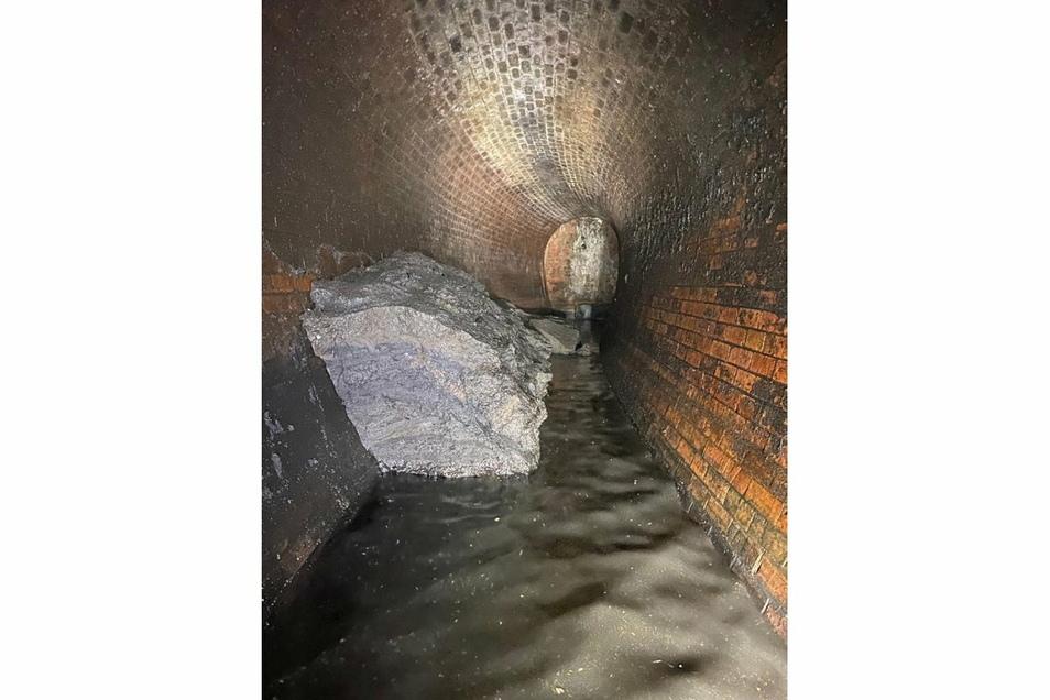 In London ist erneut ein gigantischer Fettberg aus der Kanalisation entfernt worden.