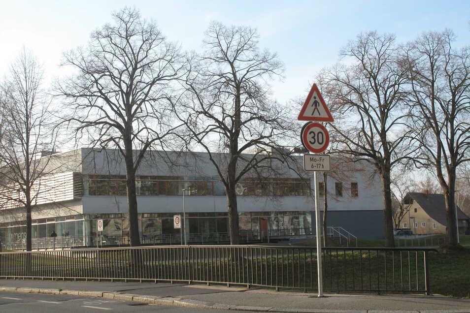 Seit Anfang Dezember gilt an der Kreuzung Hochwald-/Schliebenstraße Tempo 30.