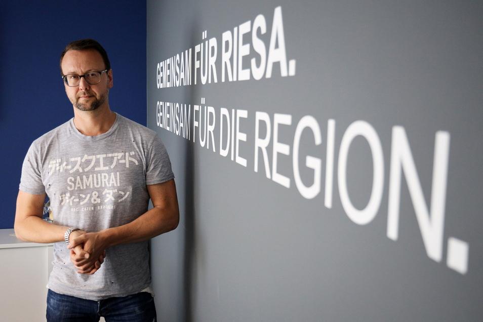 John Jaeschke leitet die städtische Tochtergesellschaft FVG, Betreiber unter anderem von Sachsenarena und Stadthalle Stern.