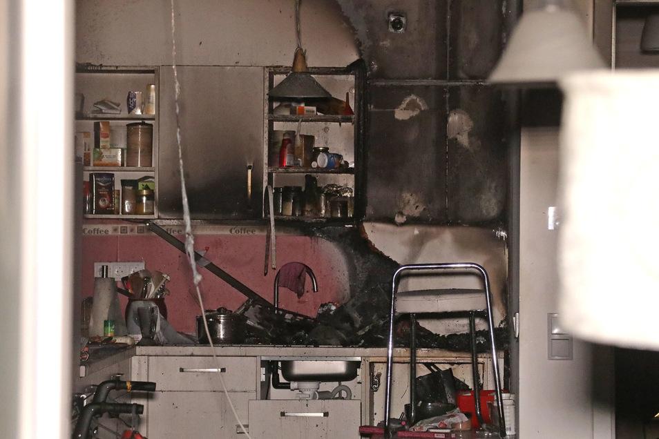 Mitten in der Nacht loderten Flammen in einer Küche in der Südvorstadt.