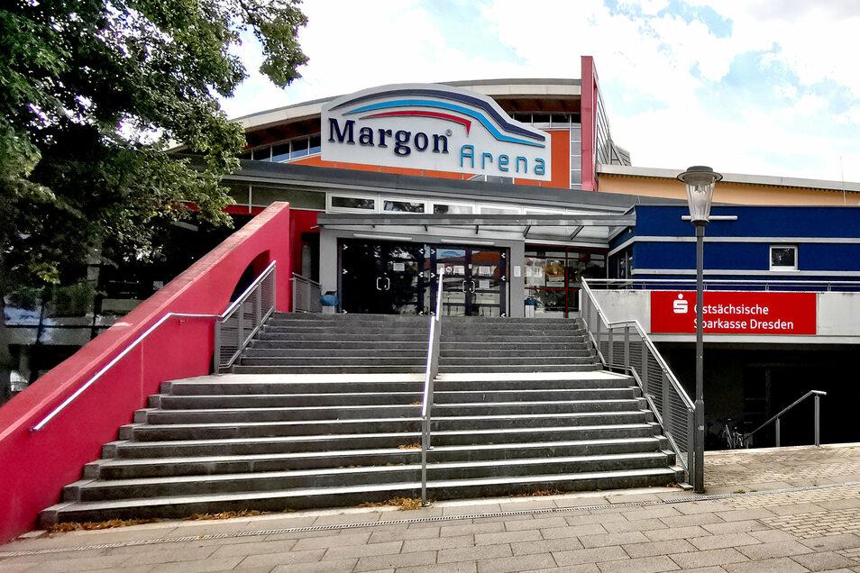 In der Margon-Arena ist das Dach undicht, die Plätze reichen nicht aus. Nun soll sie umfassend saniert und erweitert werden.