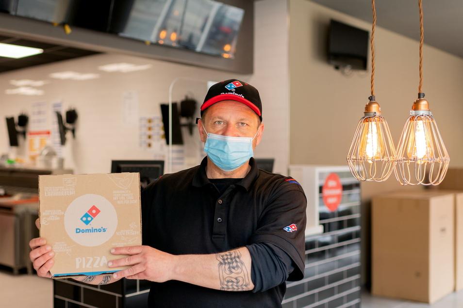 Jens Lange eröffnet in wenigen Tagen eine Domino's Pizza-Filiale in der Bautzener Steinstraße.