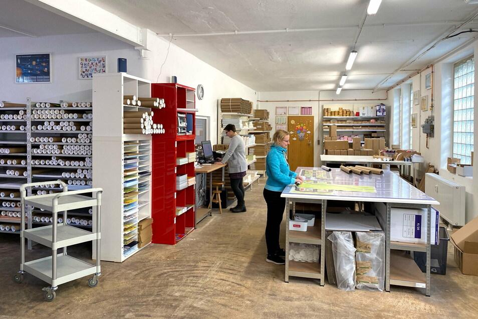 Ein Blick in das über 200 Quadratmeter große Lager von Nikima in Hainewalde, wo auch die Produkte für den Versandhandel verpackt werden.