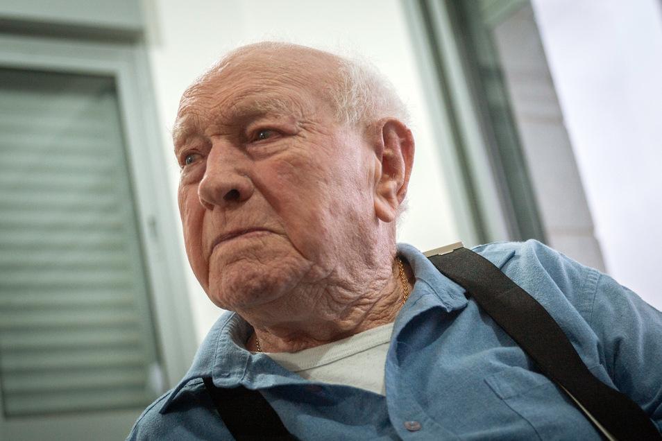 Nachum Rotenberg war in Auschwitz und danach Zwangsarbeiter in Hannover. Damals wog er nur noch 28 Kilogramm - was ihm paradoxerweise das Leben rettete.