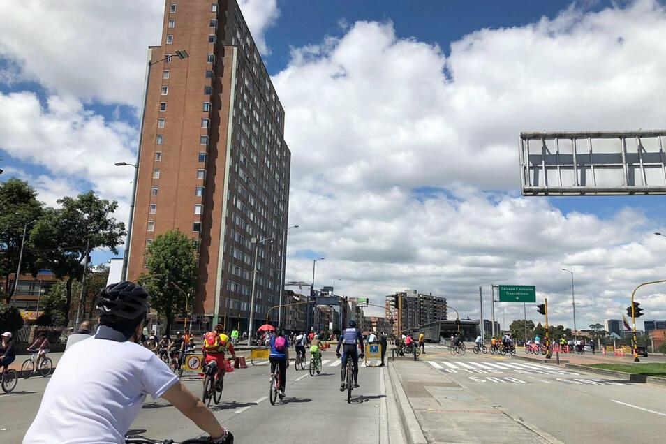 Viele Straßen in der kolumbianischen Hauptstadt Bogotá sind an Sonn- und Feiertagen autofrei - und das bereits seit mehr als 45 Jahren.