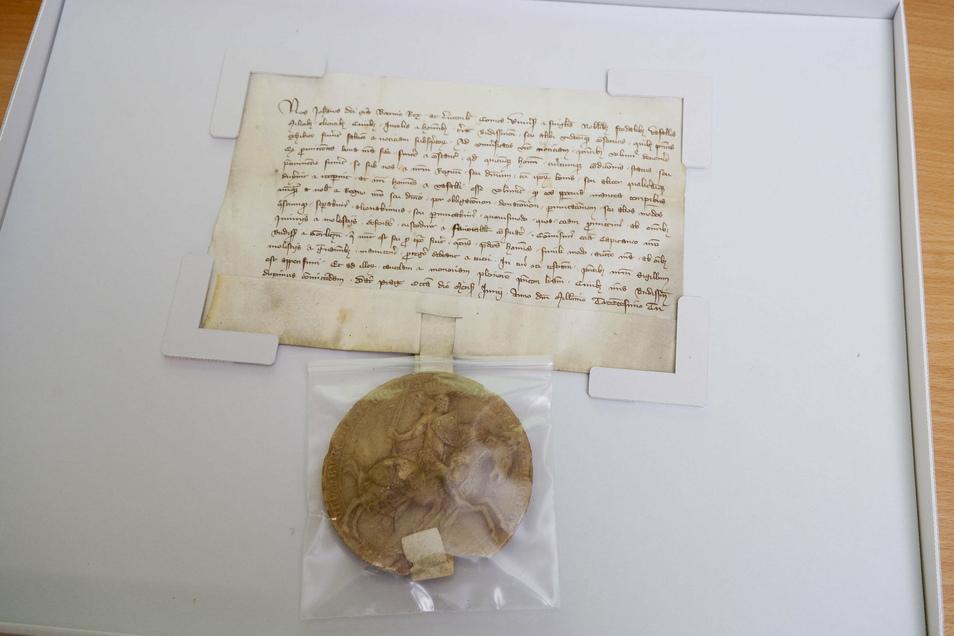 Im Online-Archiv befinden sich inzwischen auch Urkunden.