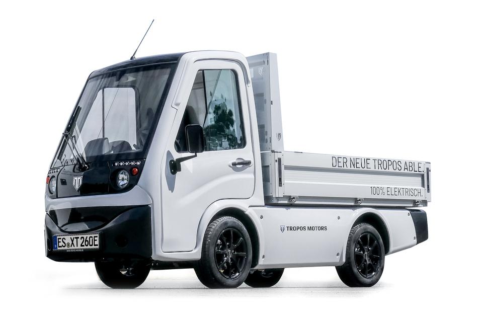 Tropos: Able XT heißt der 1,40 Meter breite Elektrotransporter der deutschen Firma Tropos Motors. Das Fahrzeug ist mit verschiedenen Aufbauten, aber immer mit Lithium-Ionen-Akku (130 oder 260 km Reichweite) erhältlich und fährt maximal 61 km/h schnell. Als Nutzlast gibt der Hersteller je nach Konfiguration bis zu 700 Kilogramm an.