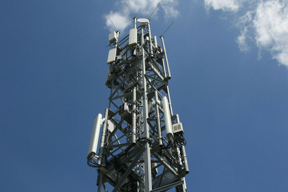 Ein ähnlicher Stahlgitter-Mast soll jetzt in Mittelherwigsdorf für Vodafone errichtet werden.