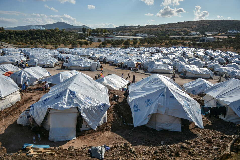 "Migranten im Flüchtlingslager ""Kara Tepe"" auf Lesbos."