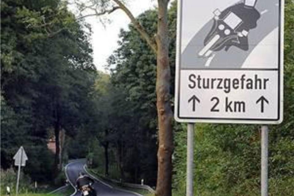 Altenberg wollte die Fahrer auf die Gefahren mit Schildern hinweisen. Das scheiterte.