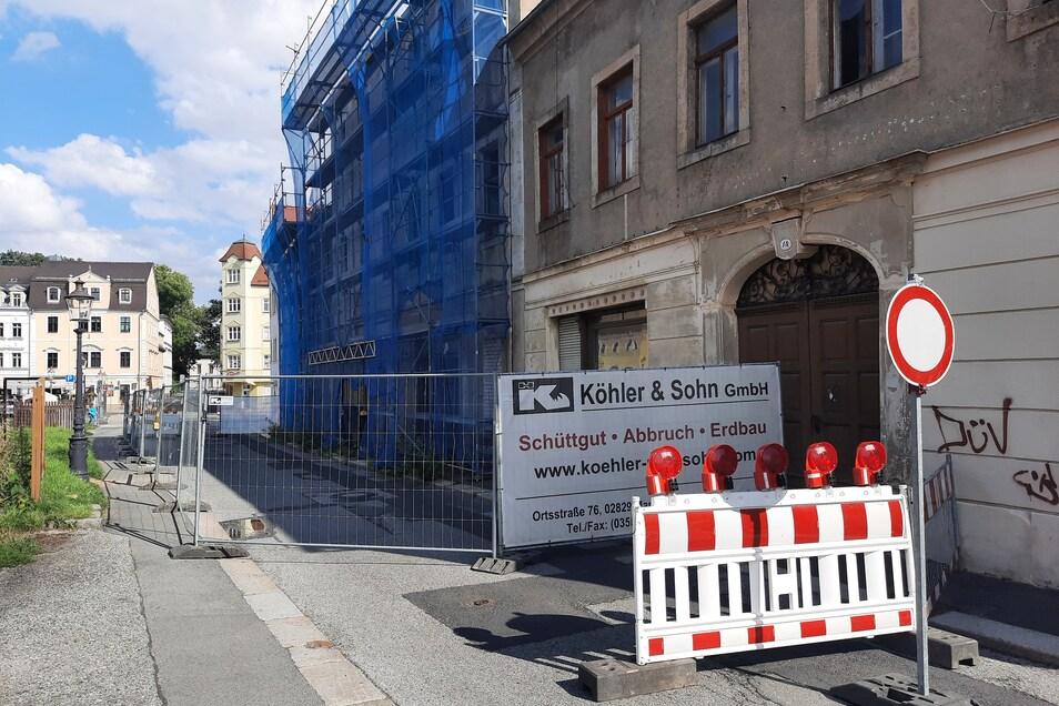 Die Albertstraße in Zittau ist in Höhe der Hausnummern 16 und 18 voll gesperrt.