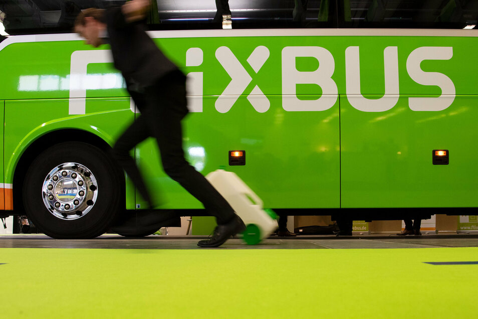 Flixbus hält jetzt auch in Thiendorf an der Raststätte der A13. Die Fernbusse fahren von Dresden nach Berlin bzw. nach Chemnitz.