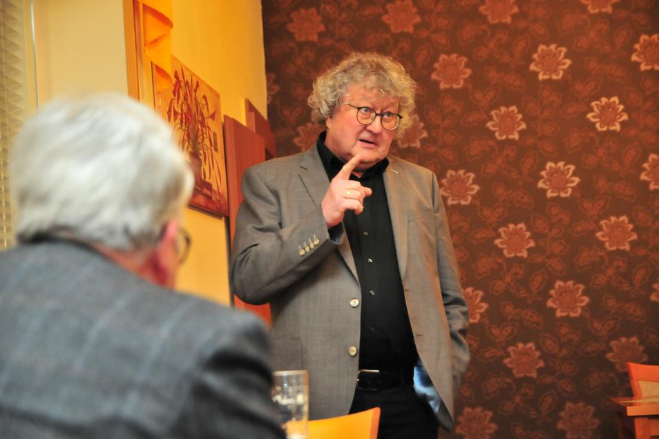 Politikwissenschaftler Werner Patzelt sprach am Montag in Großenhain - und kritisierte dabei auch seine eigene Parte deutlich.