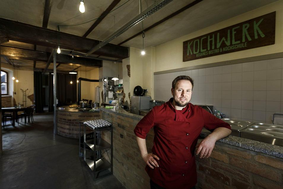 Sebastian Sarfert betreibt das Bistro Kochwerk am Görlitzer Demianiplatz. Er hat auch jetzt voll zu tun.