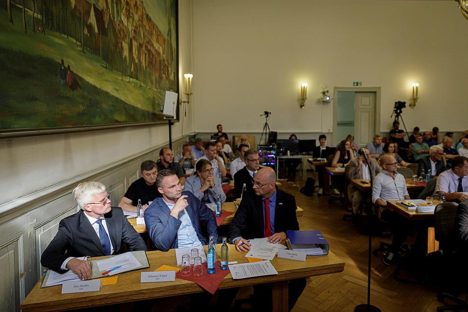 Erst 20 Monate her: Der Blick auf die konstituierende Sitzung des Görlitzer Stadtrates und die AfD-Fraktion. Seitdem hat sich in deren Reihen schon viel getan.