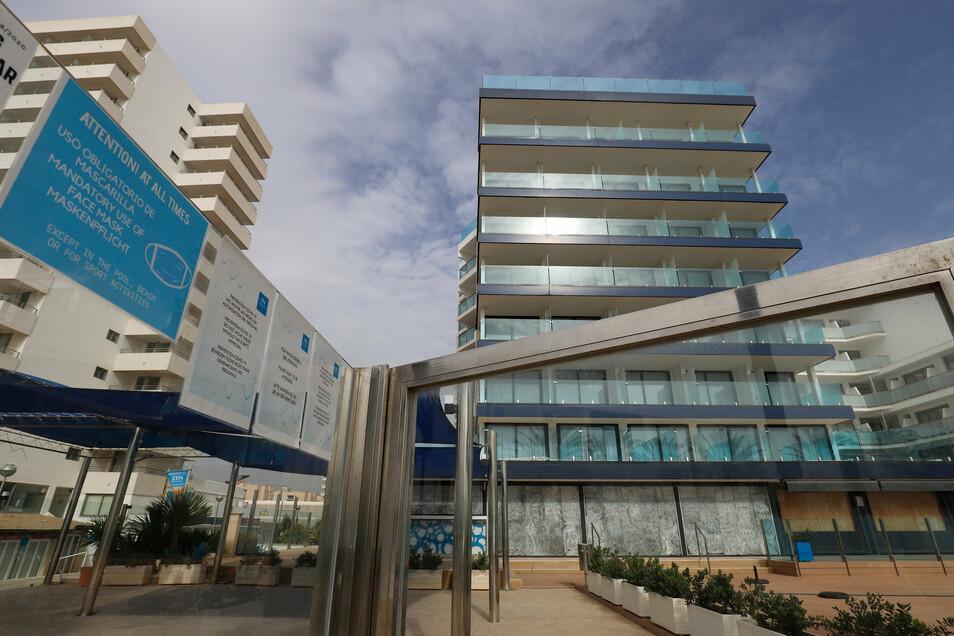 Palma: Ein Hotel am Strand ist geschlossen.