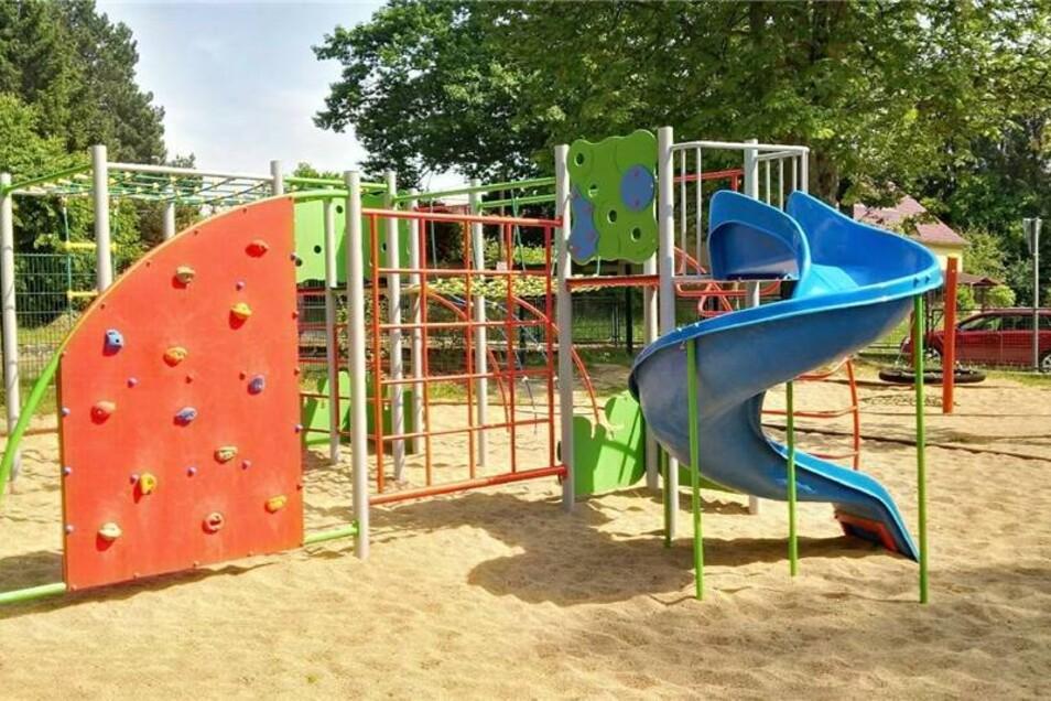 Leutersdorf, Hauptstraße  Ordnung/Sauberkeit   1 Anzahl Spielgeräte   3 Zustand Spielgeräte   1 Platz zum Spielen   2  weitere Spielplätze: an der Grundschule Leutersdorf